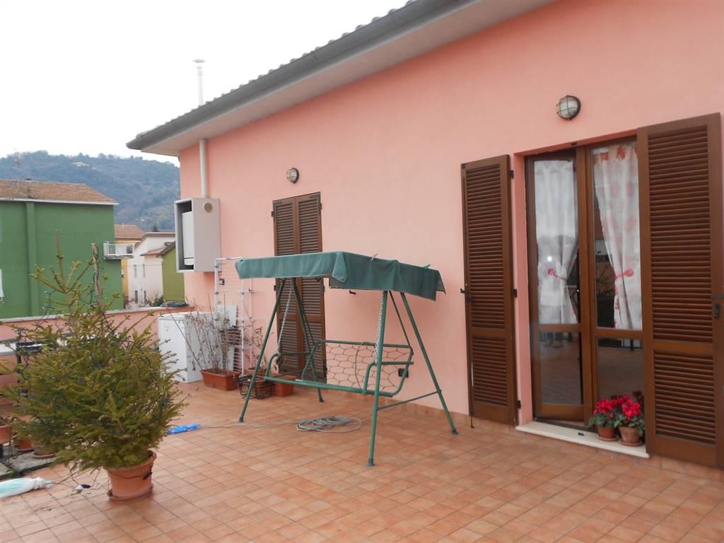Appartamento in vendita a Spoleto, 4 locali, zona Località: CITTA', prezzo € 115.000   CambioCasa.it
