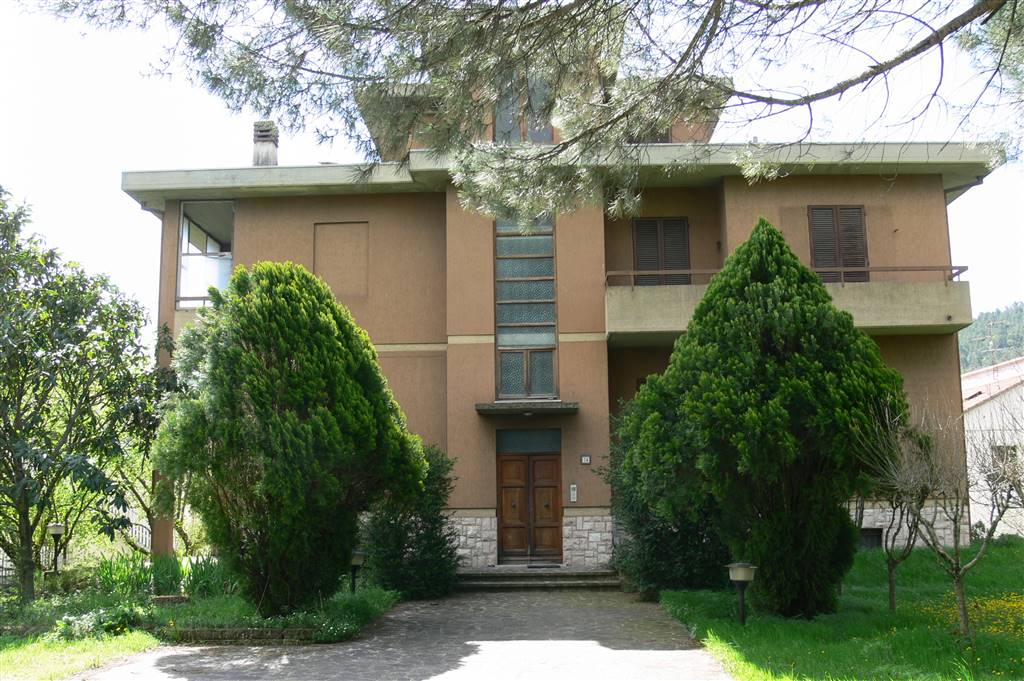 Soluzione Indipendente in vendita a Spoleto, 12 locali, zona Località: PERIFERIA, prezzo € 320.000 | Cambio Casa.it