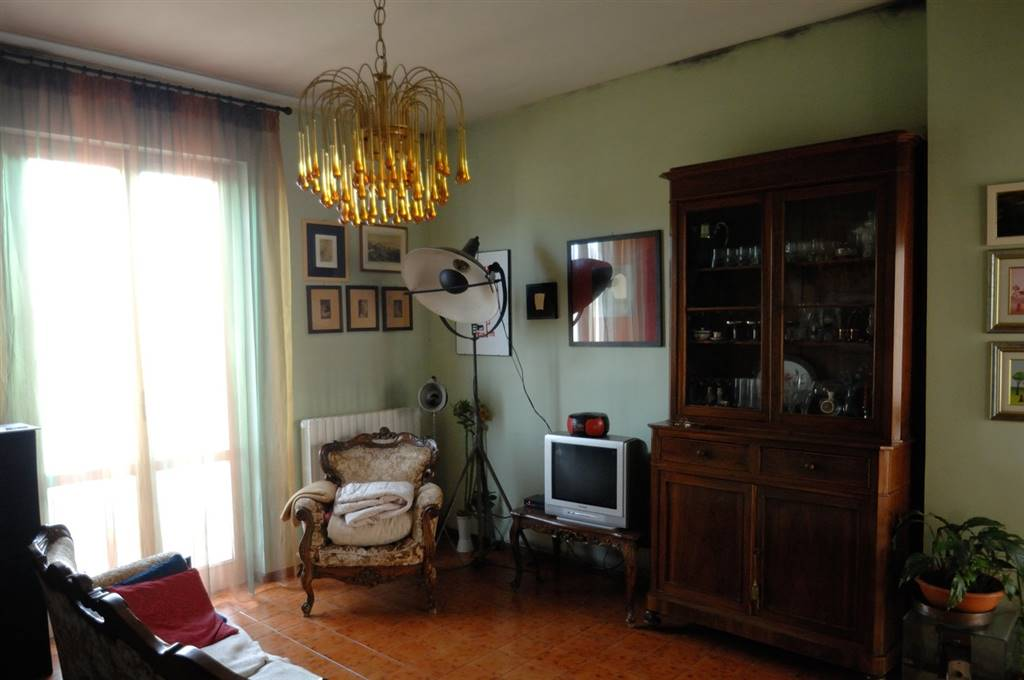 Soluzione Indipendente in vendita a Spoleto, 4 locali, zona Località: PERIFERIA, prezzo € 110.000 | CambioCasa.it