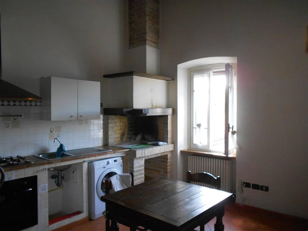 Appartamento in vendita a Spoleto, 3 locali, zona Località: PERIFERIA, prezzo € 100.000 | Cambio Casa.it
