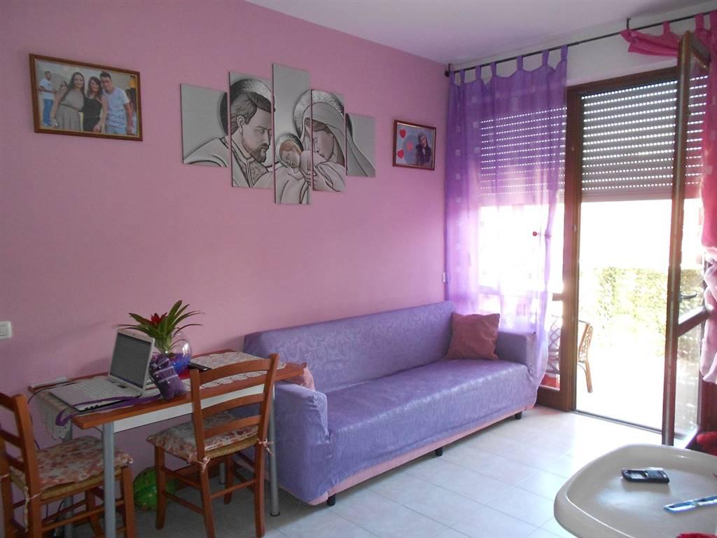 Appartamento in vendita a Spoleto, 3 locali, zona Località: PRIMA PERIFERIA, prezzo € 127.000   CambioCasa.it