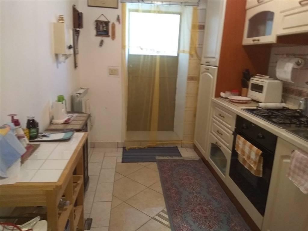 Soluzione Indipendente in vendita a Spoleto, 9 locali, zona Località: PERIFERIA, prezzo € 160.000 | CambioCasa.it