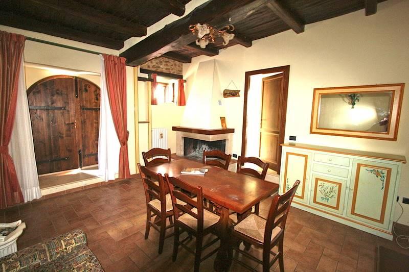 Soluzione Indipendente in vendita a Castel Ritaldi, 2 locali, zona Località: CASTEL RITALDI, prezzo € 95.000 | CambioCasa.it