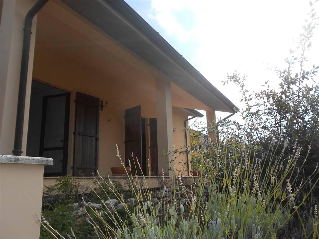 Villa in vendita a Spoleto, 10 locali, zona Località: PERIFERIA, prezzo € 490.000   CambioCasa.it