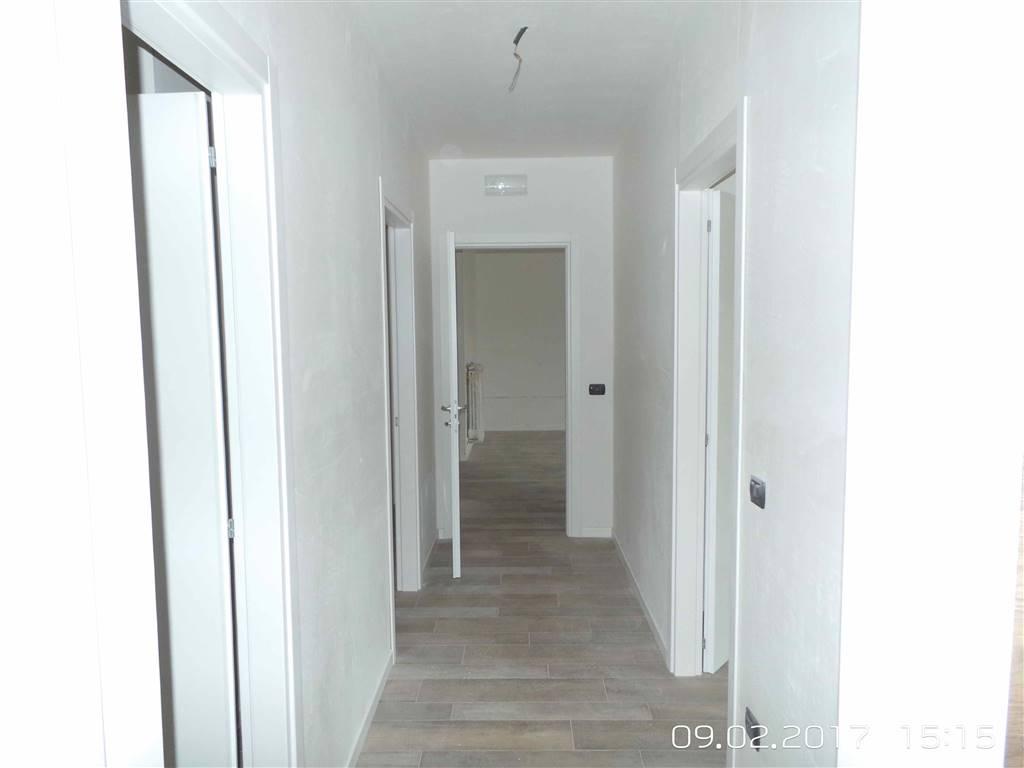 Appartamento in vendita a Santeramo in Colle, 4 locali, prezzo € 233.000 | CambioCasa.it