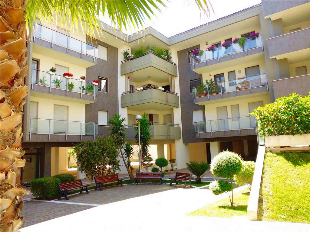 Appartamento in vendita a Santeramo in Colle, 4 locali, prezzo € 222.000 | CambioCasa.it