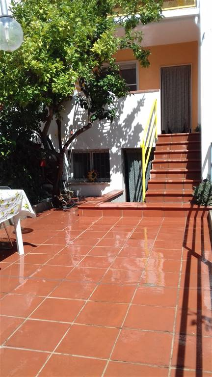 Appartamento in vendita a Bernalda, 3 locali, zona Zona: Metaponto, prezzo € 89.000 | CambioCasa.it