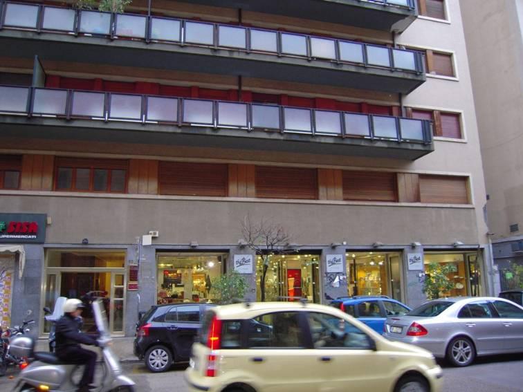 Ufficio / Studio in affitto a Palermo, 11 locali, zona Zona: Notarbartolo, prezzo € 10.000 | Cambio Casa.it
