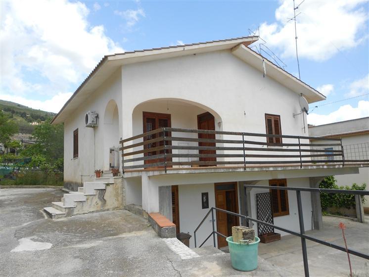 Villa in vendita a Sambuca di Sicilia, 5 locali, prezzo € 190.000 | Cambio Casa.it