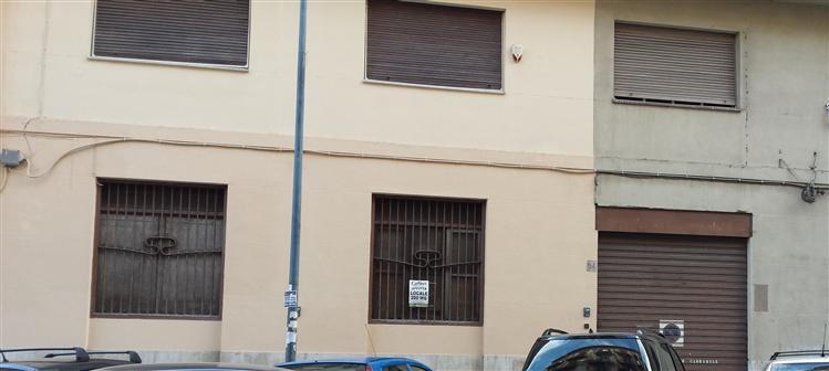 Negozio / Locale in affitto a Palermo, 9999 locali, zona Zona: Politeama, prezzo € 800 | Cambio Casa.it