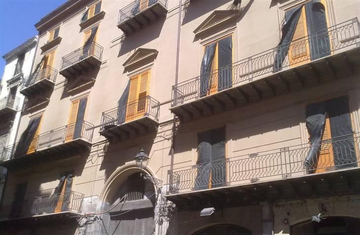 Palazzo / Stabile in vendita a Palermo, 29 locali, zona Zona: Centro storico, Trattative riservate | Cambio Casa.it