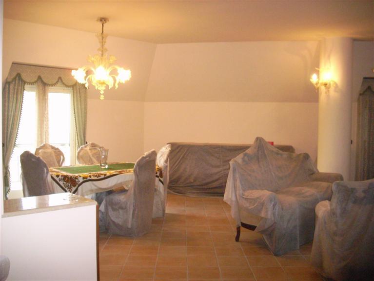 Attico / Mansarda in vendita a Palermo, 4 locali, zona Località: STAZIONE-LINCOLN-M.MARINE-C.SO MILLE, prezzo € 160.000 | Cambio Casa.it