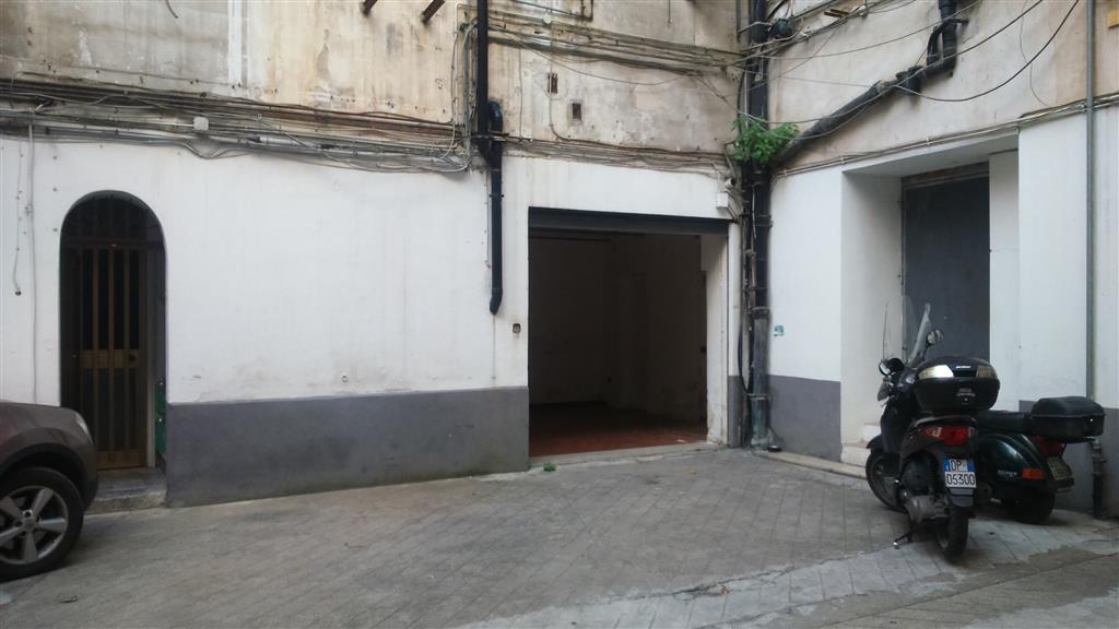 Magazzino in affitto a Palermo, 9999 locali, zona Zona: Politeama, prezzo € 300 | Cambio Casa.it