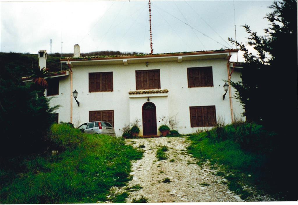 Villa in vendita a Campofiorito, 4 locali, prezzo € 300.000 | Cambio Casa.it