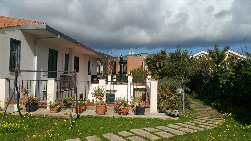 Villa in vendita a Palermo, 5 locali, prezzo € 650.000 | Cambio Casa.it