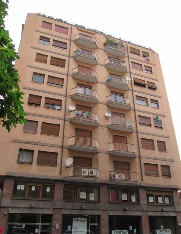 Ufficio / Studio in affitto a Palermo, 4 locali, zona Località: TRIBUNALE-VOLTURNO-MASSIMO, prezzo € 900 | Cambio Casa.it