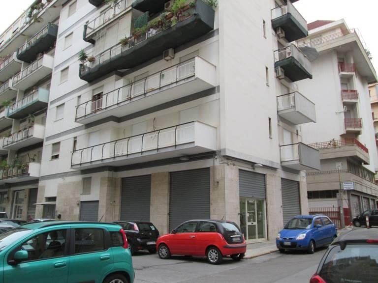 Attività / Licenza in affitto a Palermo, 4 locali, zona Località: VERDURA-VILLABIANCA-SAMPOLO, prezzo € 500 | Cambio Casa.it
