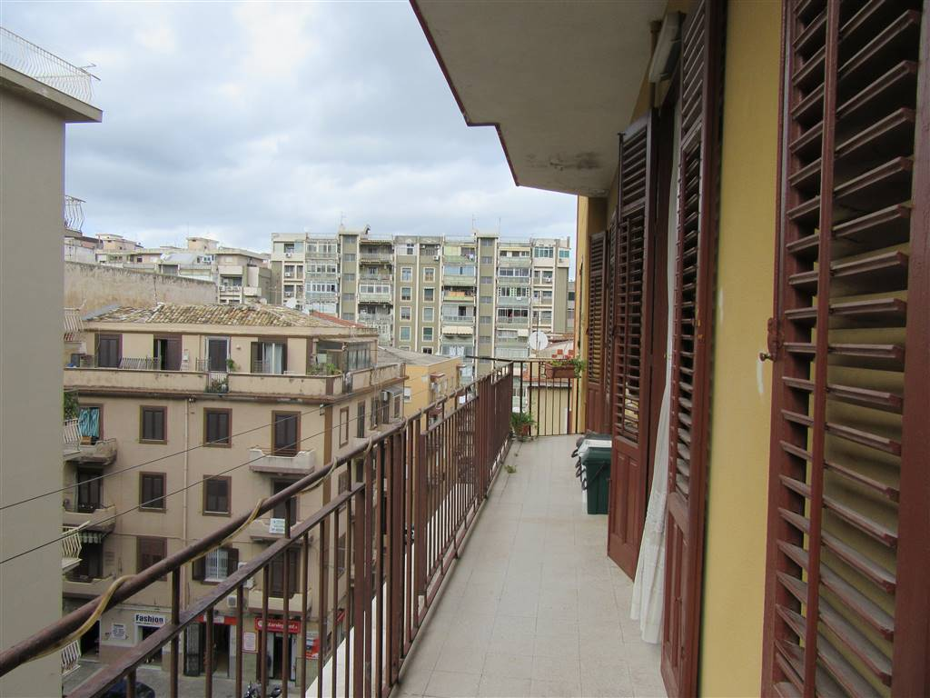 Appartamento in vendita a Palermo, 2 locali, zona Località: LOLLY-VILLA AMALFITANO-MALASPINA, prezzo € 85.000 | Cambio Casa.it