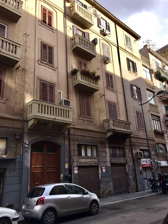 Appartamento in vendita a Palermo, 4 locali, zona Località: TRIBUNALE-VOLTURNO-MASSIMO, prezzo € 240.000 | Cambio Casa.it