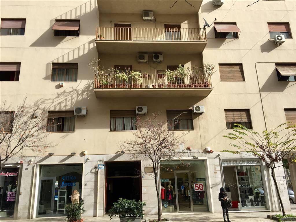 Appartamento in vendita a Palermo, 4 locali, zona Zona: Notarbartolo, prezzo € 275.000 | Cambio Casa.it