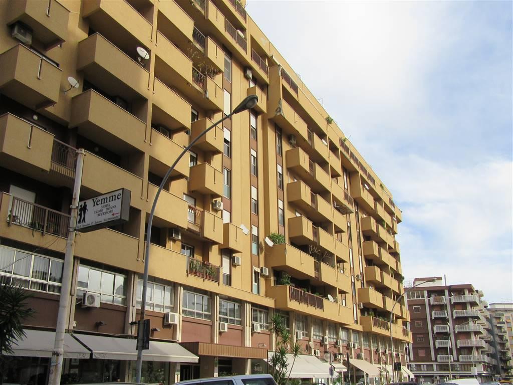Magazzino in affitto a Palermo, 9999 locali, zona Zona: Notarbartolo, prezzo € 1.200 | Cambio Casa.it