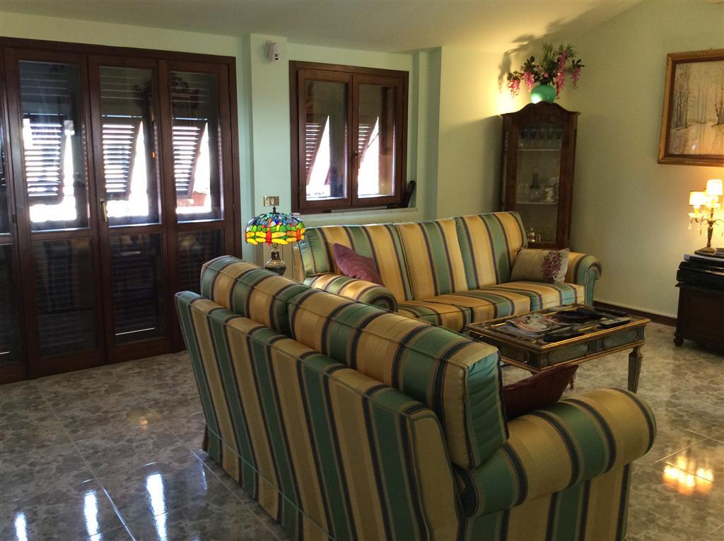 Attico / Mansarda in vendita a Sarzana, 4 locali, prezzo € 320.000 | Cambio Casa.it