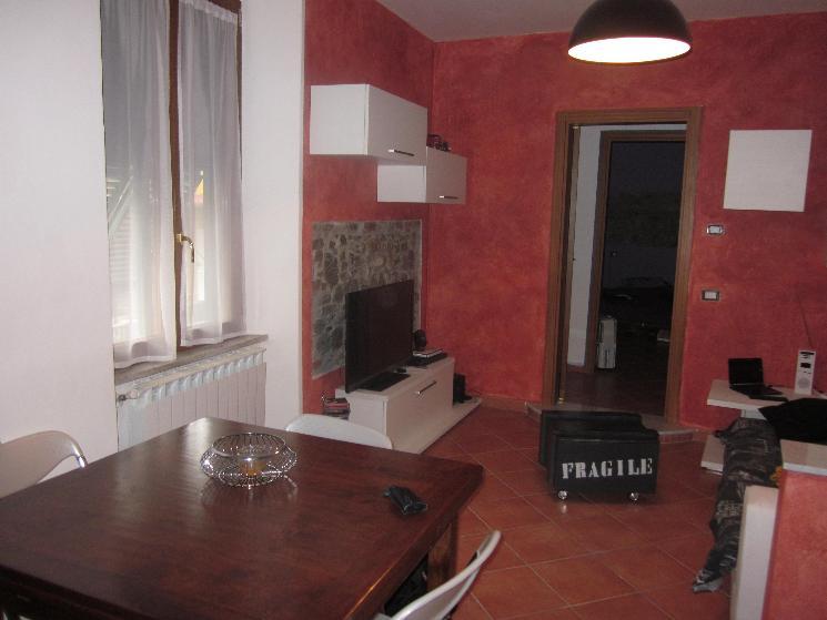 Appartamento in vendita a Santo Stefano di Magra, 3 locali, prezzo € 115.000 | Cambio Casa.it