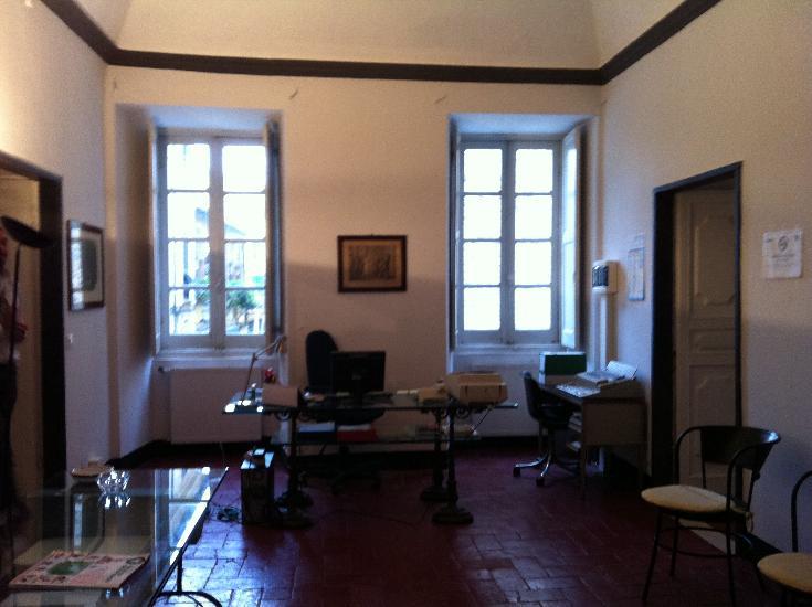 Ufficio / Studio in affitto a Sarzana, 4 locali, zona Località: SARZANA, prezzo € 1.500 | Cambio Casa.it