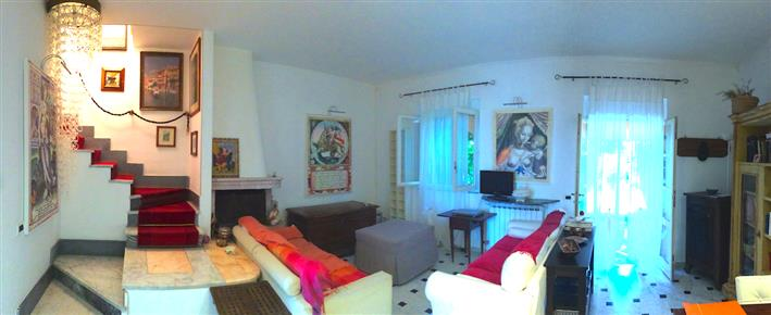 Soluzione Semindipendente in affitto a Ameglia, 5 locali, zona Zona: Cafaggio, prezzo € 2.000 | CambioCasa.it