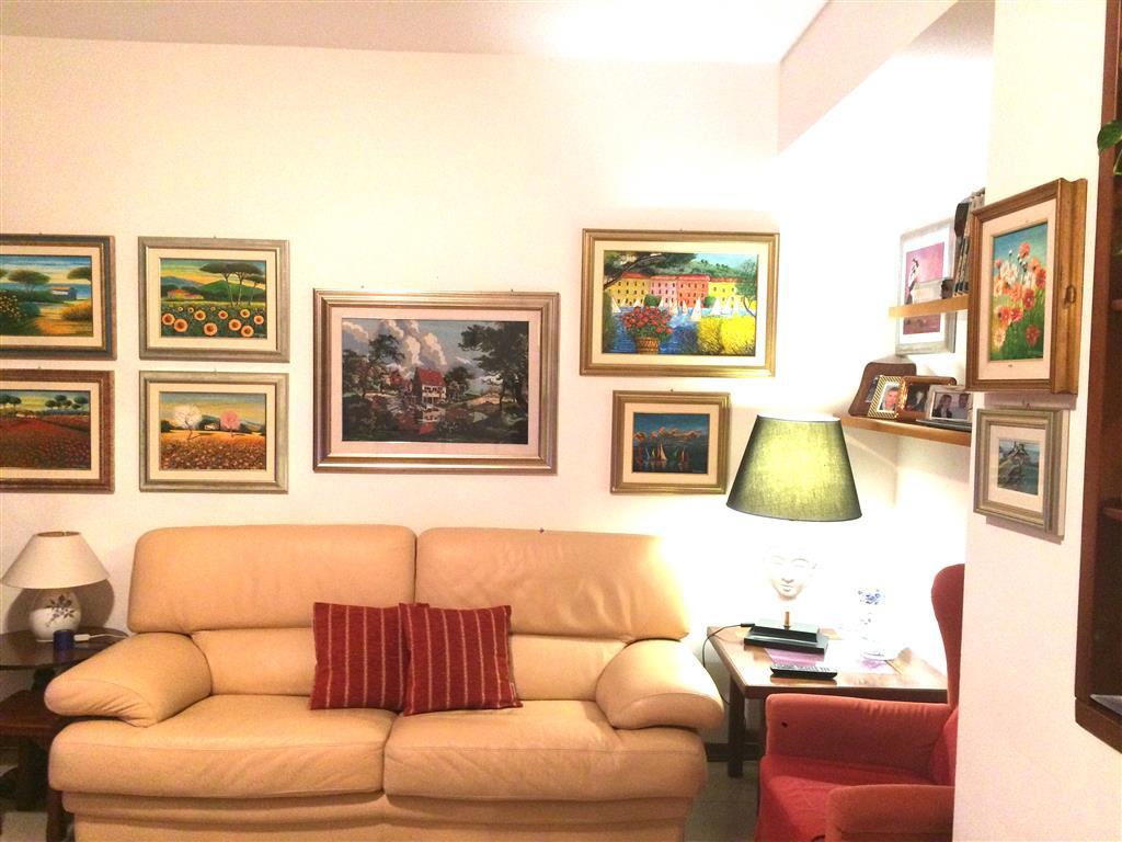 Appartamento in vendita a Santo Stefano di Magra, 4 locali, zona Zona: Ponzano Belaso, prezzo € 110.000 | Cambio Casa.it