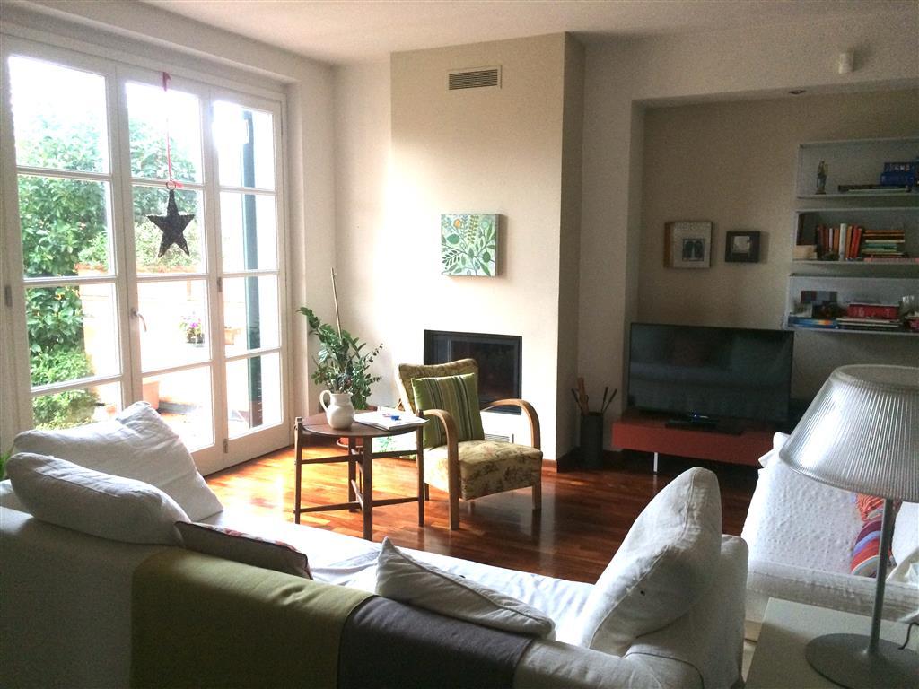 Villa in vendita a Sarzana, 9 locali, zona Località: BRADIA, prezzo € 490.000 | CambioCasa.it