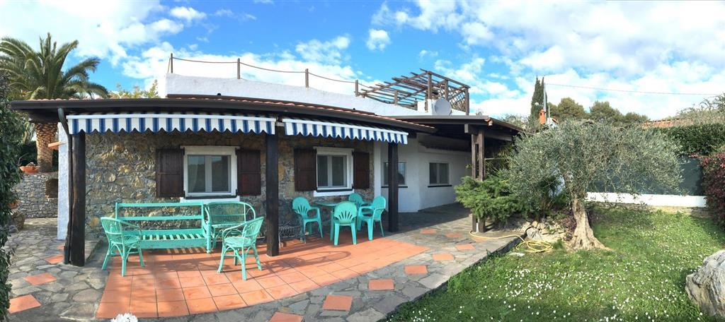 Villa in vendita a Lerici, 6 locali, zona Località: ZANEGO, prezzo € 1.000.000   CambioCasa.it