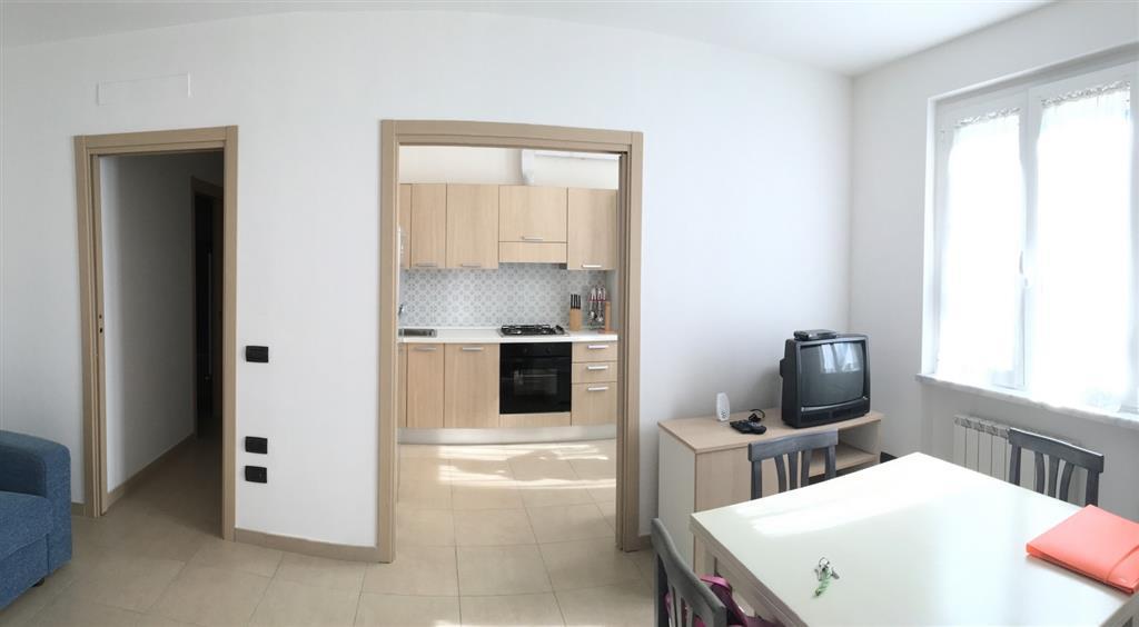 Appartamento in affitto a Ameglia, 5 locali, zona Zona: Bocca di Magra, prezzo € 2.500 | Cambio Casa.it
