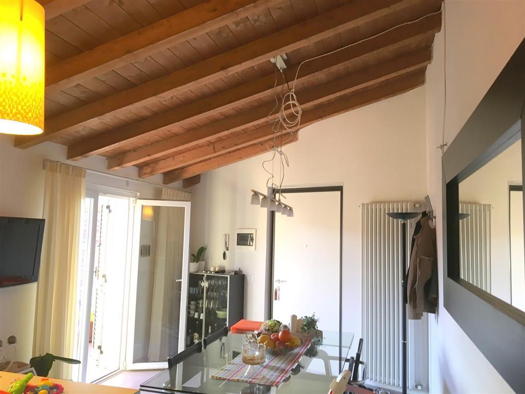 Attico / Mansarda in vendita a Sarzana, 4 locali, zona Località: SARZANA, prezzo € 200.000 | Cambio Casa.it