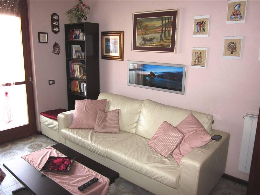 Appartamento in vendita a Castelnuovo Magra, 4 locali, zona Zona: Molicciara, prezzo € 180.000 | Cambio Casa.it