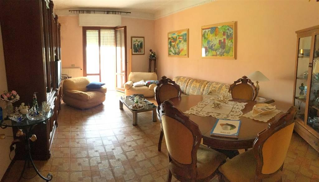 Appartamento in vendita a Castelnuovo Magra, 5 locali, zona Zona: Molicciara, prezzo € 180.000 | Cambio Casa.it