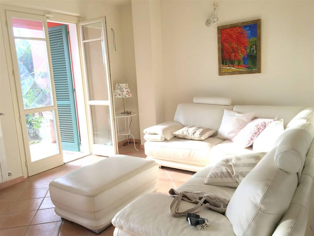 Villa a Schiera in Affitto a Castelnuovo Magra