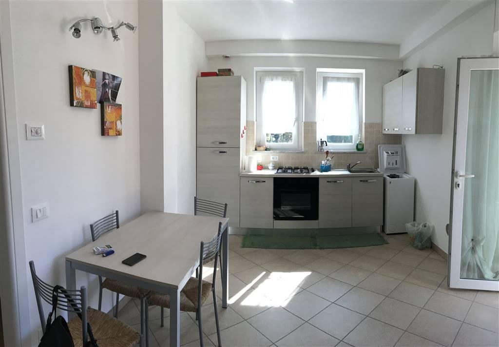 Appartamento in vendita a Santo Stefano di Magra, 3 locali, zona Zona: Ponzano Magra, Trattative riservate | Cambio Casa.it