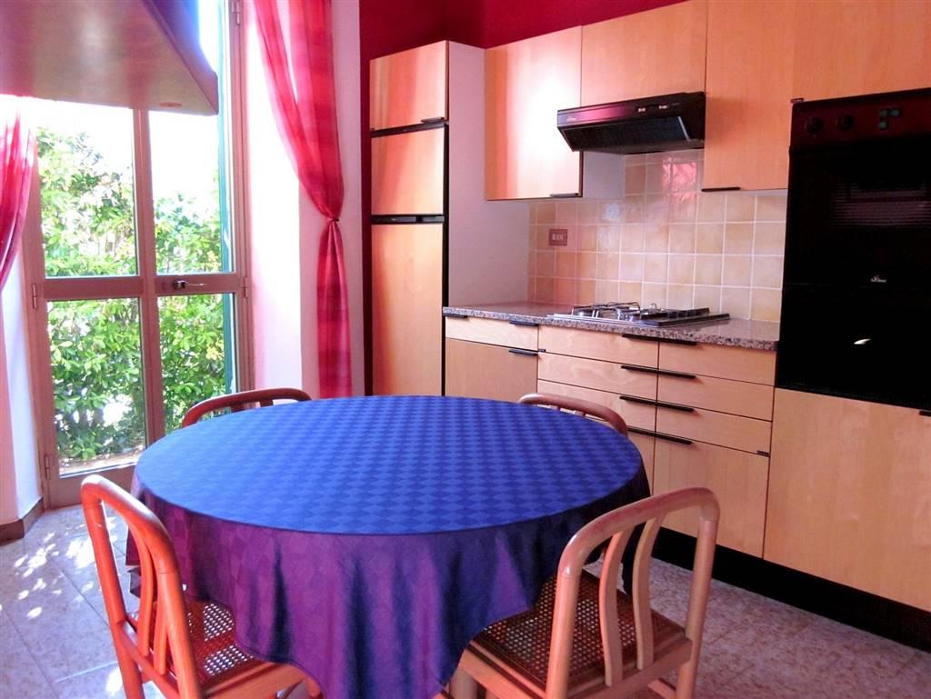 Soluzione Indipendente in vendita a Ameglia, 5 locali, zona Zona: Montemarcello, prezzo € 140.000 | Cambio Casa.it