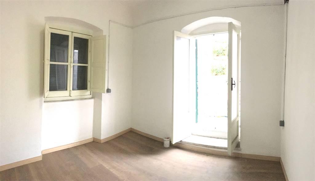 Soluzione Indipendente in vendita a Sarzana, 2 locali, zona Località: CENTRO STORICO, prezzo € 85.000 | Cambio Casa.it