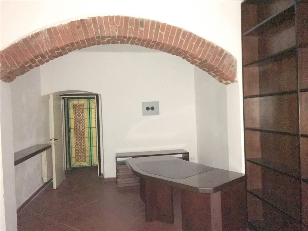 Ufficio / Studio in affitto a Sarzana, 1 locali, zona Località: CENTRO STORICO, prezzo € 300 | Cambio Casa.it
