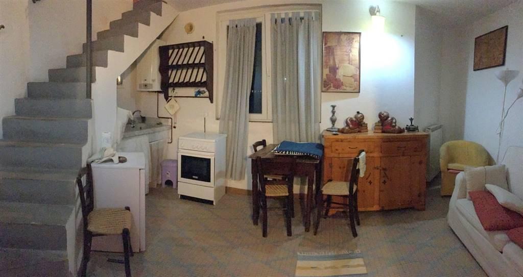 Soluzione Indipendente in affitto a Sarzana, 3 locali, zona Località: SARZANA, prezzo € 400 | Cambio Casa.it