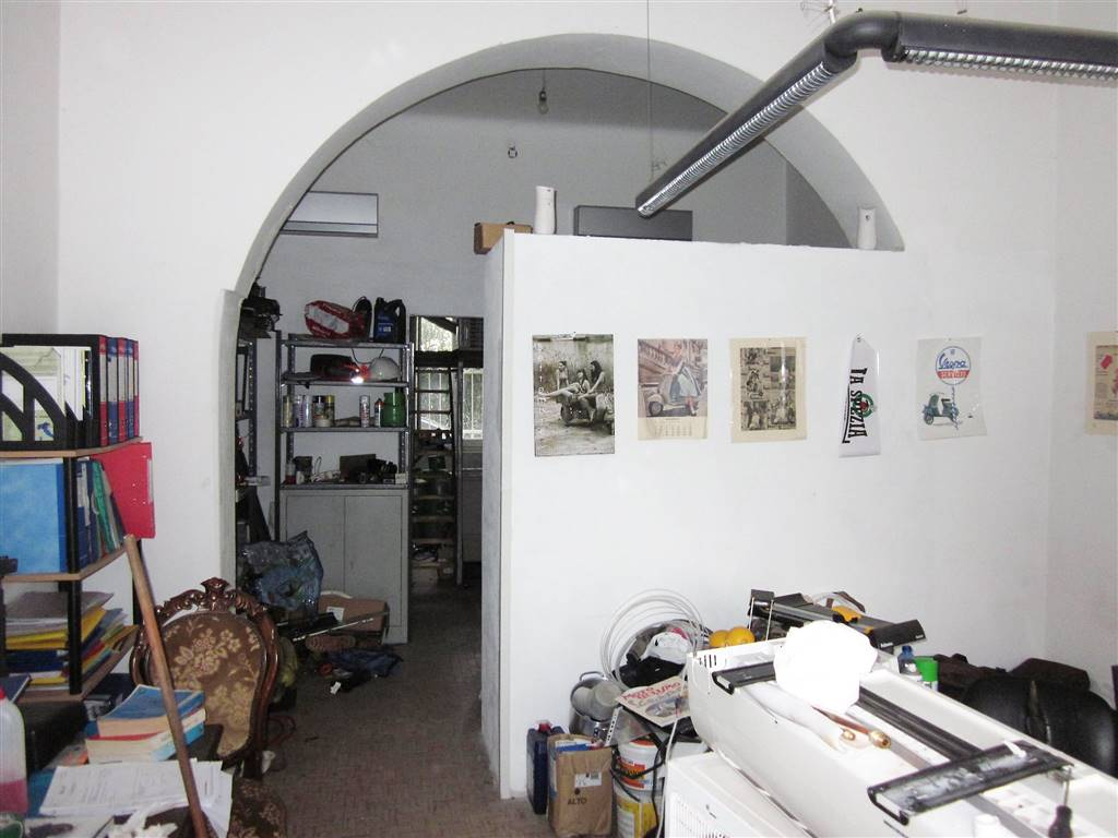 Immobile Commerciale in vendita a La Spezia, 3 locali, zona Località: LIMONE, prezzo € 90.000 | Cambio Casa.it