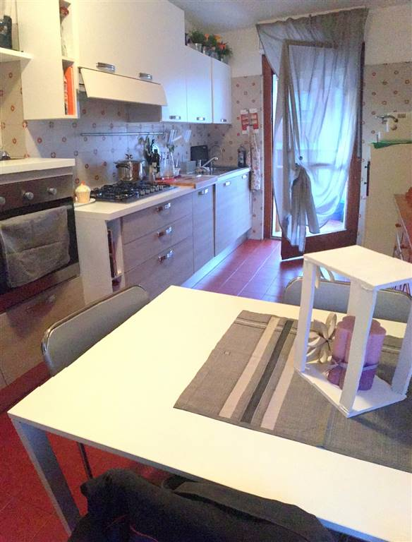 Attico / Mansarda in affitto a Castelnuovo Magra, 5 locali, zona Zona: Molicciara, prezzo € 600 | Cambio Casa.it