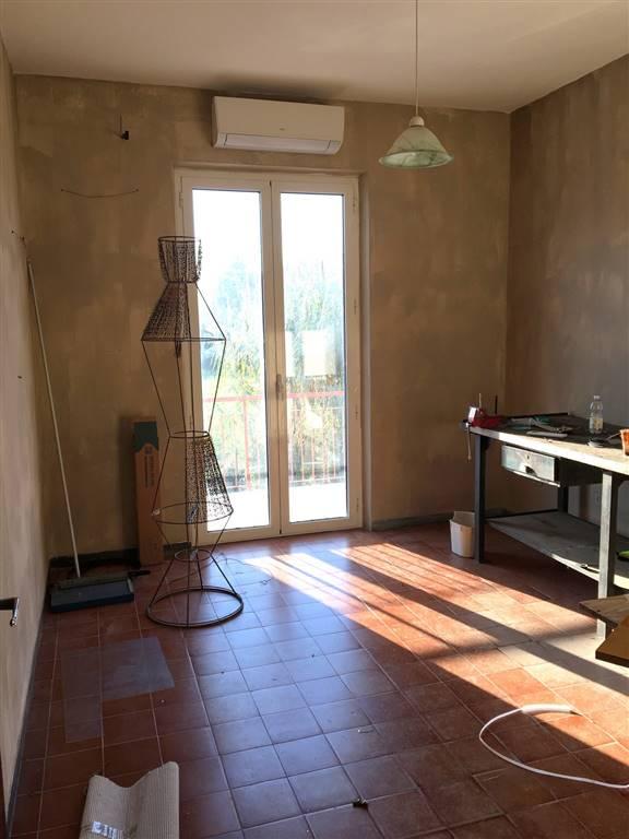 Soluzione Indipendente in affitto a Arcola, 4 locali, zona Zona: Piano di Arcola, prezzo € 600 | Cambio Casa.it