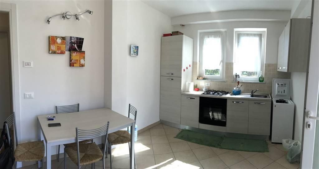 Appartamento in affitto a Santo Stefano di Magra, 3 locali, zona Zona: Ponzano Magra, prezzo € 500 | Cambio Casa.it