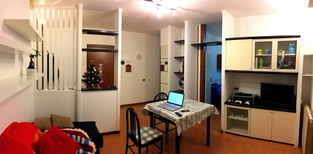 Appartamento in vendita a Santo Stefano di Magra, 5 locali, zona Zona: Ponzano Belaso, prezzo € 100.000 | Cambio Casa.it