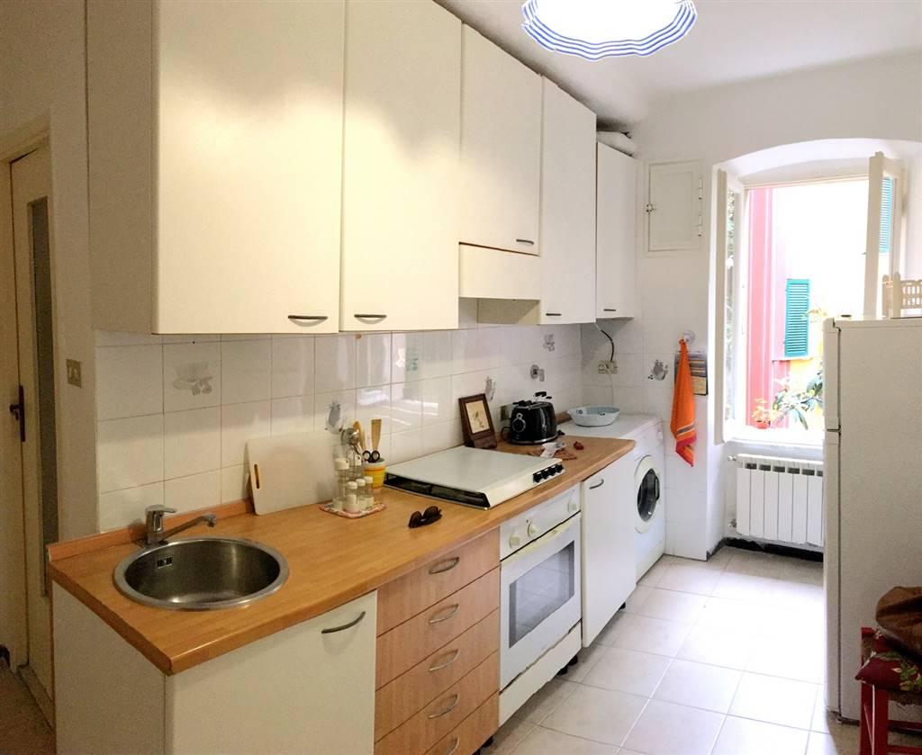 Appartamento in affitto a Lerici, 4 locali, zona Località: CENTRO, prezzo € 600 | CambioCasa.it