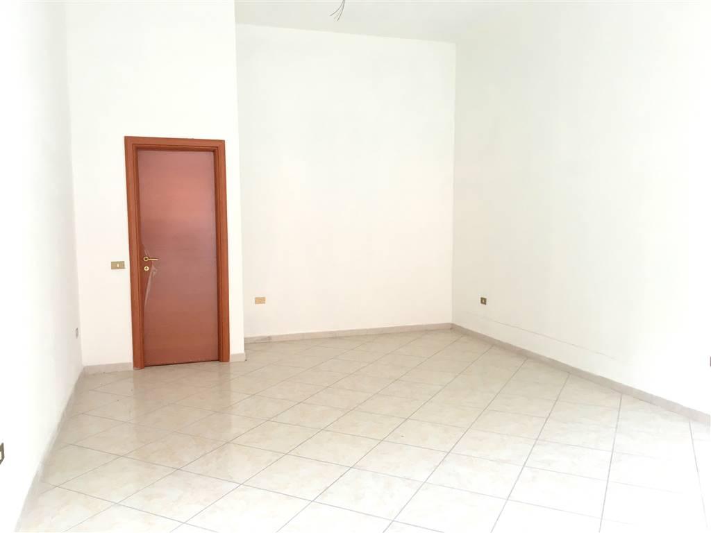 Immobile Commerciale in affitto a Sarzana, 1 locali, zona Località: CENTRO STORICO, prezzo € 800 | Cambio Casa.it