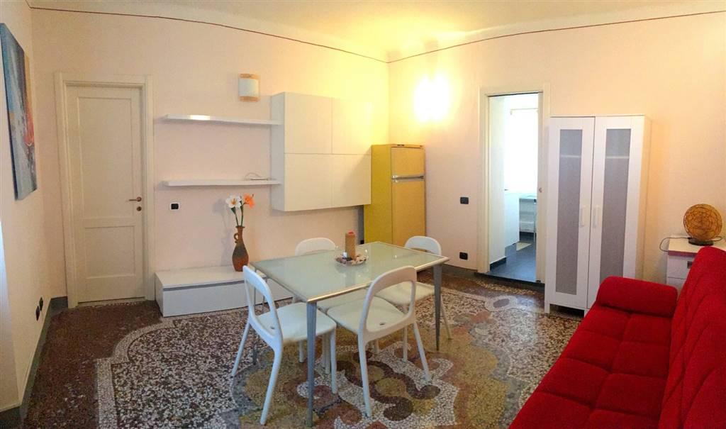 Appartamento in affitto a Sarzana, 4 locali, zona Località: CENTRO STORICO, prezzo € 500 | Cambio Casa.it